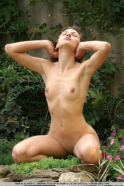 met-art nude inna