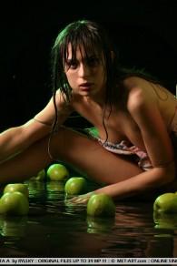Julietta A MetArt Pommes